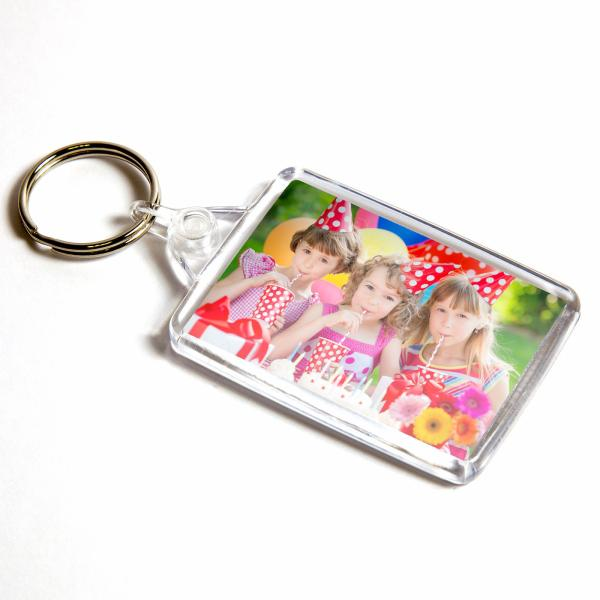 C102 Rectangular Blank Plastic Photo Insert Keyring with Clear Connector - 50 x 35mm