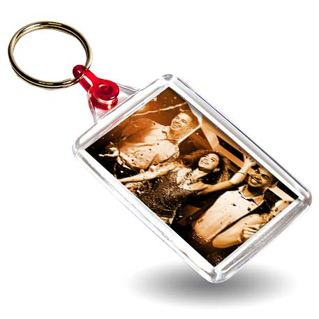C102 Rectangular Blank Plastic Photo Insert Keyring with Red Connector - 50 x 35mm